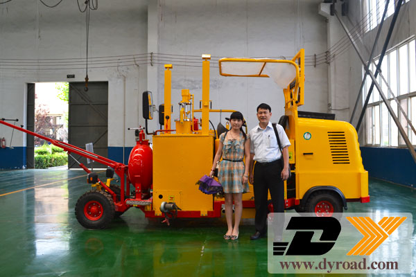 Vietnam-customer-visit-their-driving-typr-machine