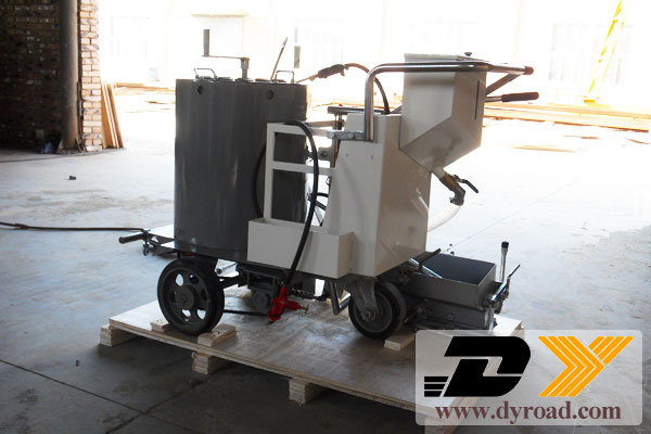DY-HPT Road Marking Machine and Paint Pre-heaterto Sri Lank